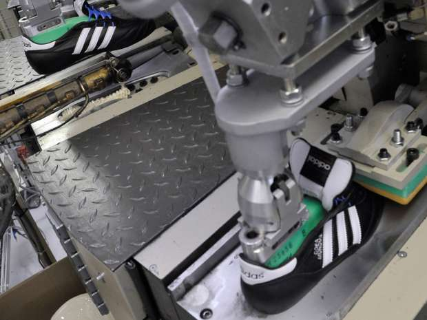 Adidas's new 'Speedfactory' is run almost entirely by robots.
